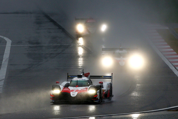 TS050 HYBRID #7 and TS050 HYBRID #8 running in the bad weather