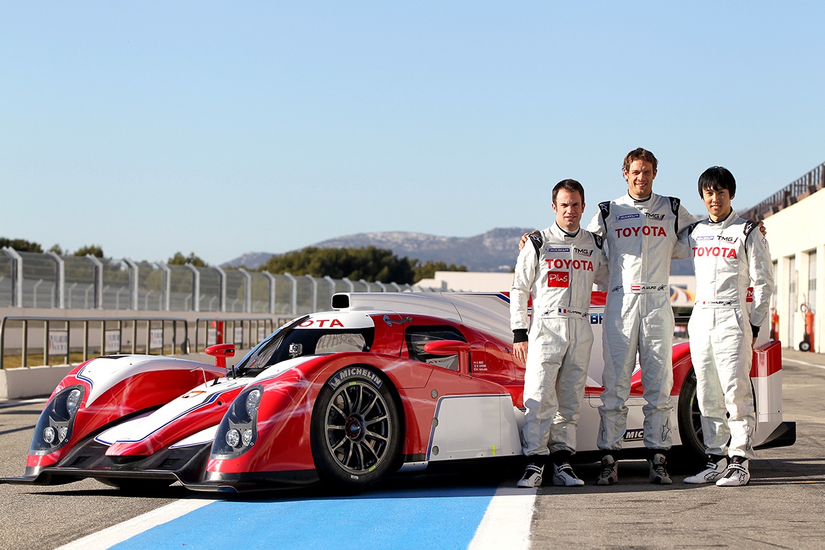 Shook-down the TS030 HYBRID for returning to WEC in 2012 with drivers: Nicolas Lapierre, Alex Wurz and Kazuki Nakajima. The car body was painted in red and white at that time.
