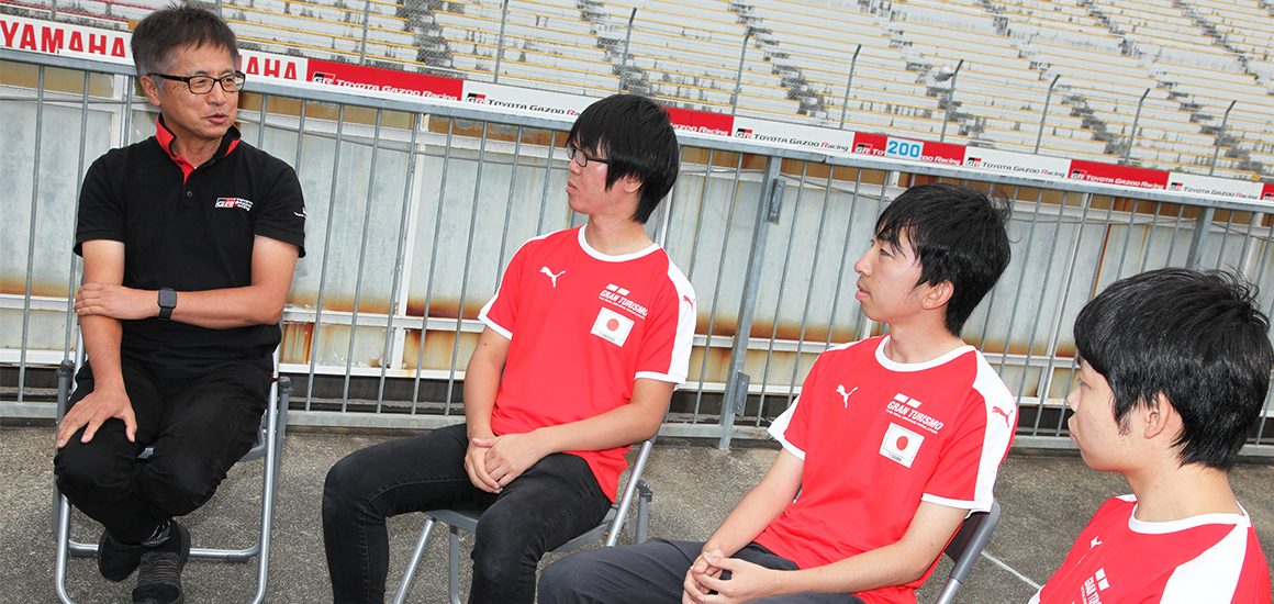 Tetsuya and the players having a conversation