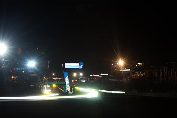 予選2日目のセッション中のサルト・サーキット